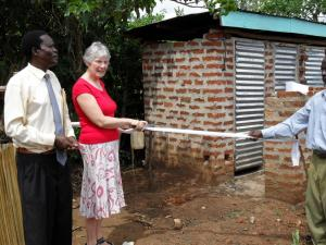 30 - I cut the ribbon (toilet paper) to open the new latrines