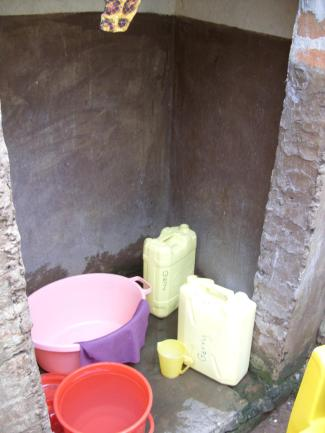 10 My 'bathroom' with wonderful facilities, bucket, baby bath, jug and even a soap dish!