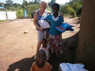 Innocent's neighbours will sleep safer now. The two children were very sick with Malaria during my stay in October 2016.